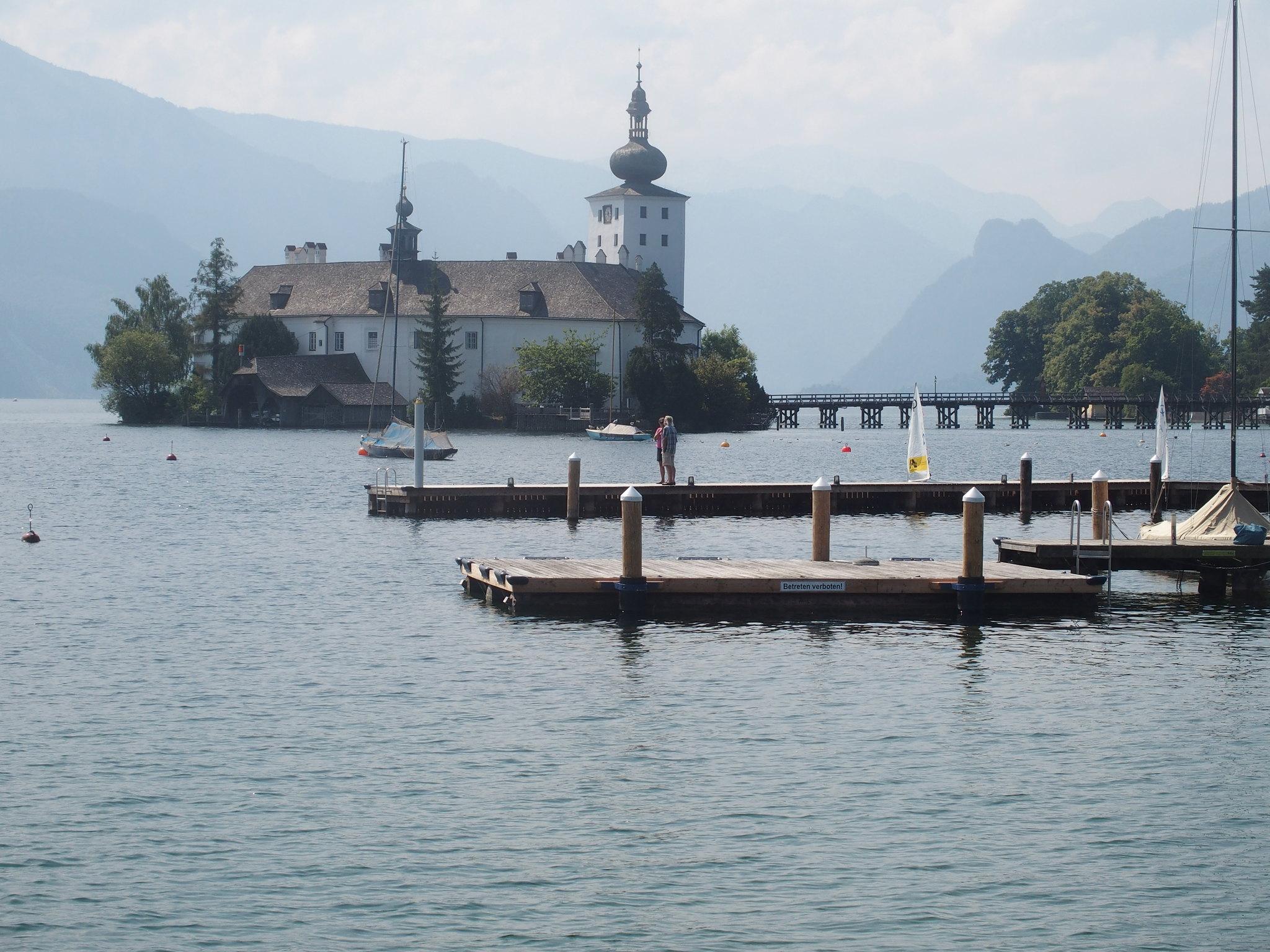 Kyrkan på ön 1