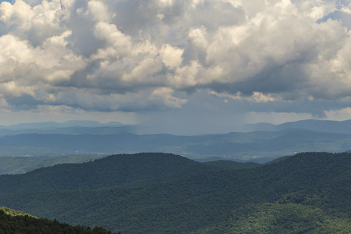 canon 6d 24105mml lens pisgah northcarolina inn overlook blueridgeparkway appalachain summer clouds shower rain storm scenic august 2018 family trip tour nostalgia southern america usa