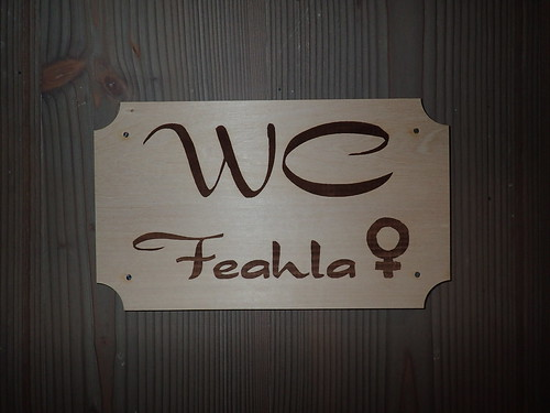 Toilet sign Feahla