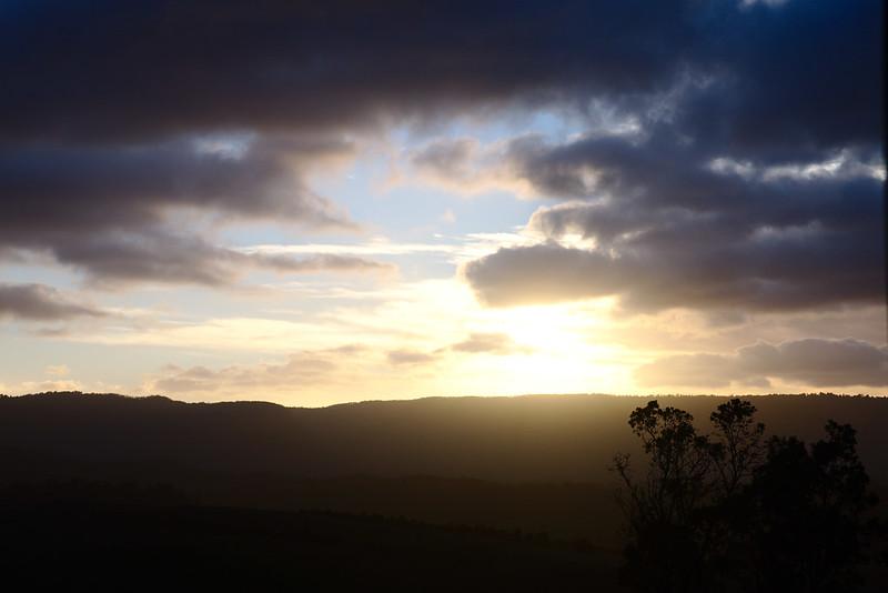 Sun is risen, Blue Mountains escarpment, Kanimbla Valley