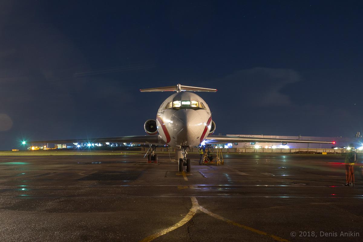 Як-42 ночью фото 4
