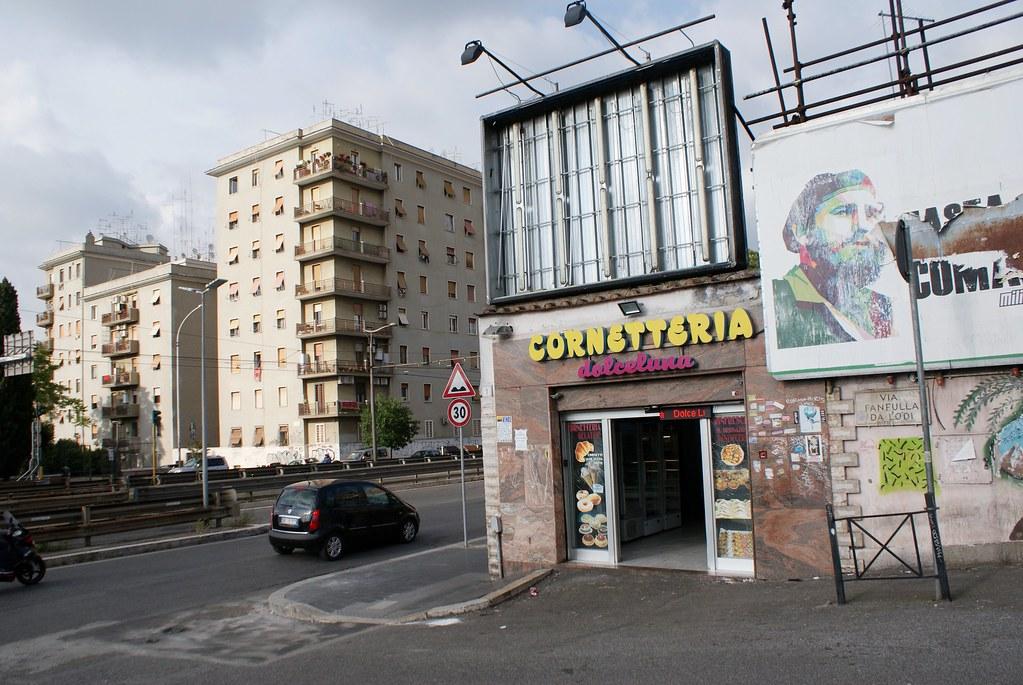Ambiance urbaine dans le quartier de Pigneto à Rome.