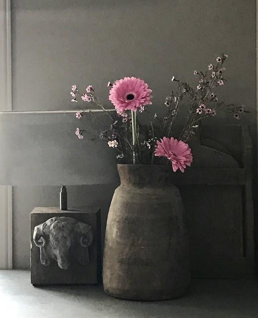 Nepalese vaas, lampenvoet met kop ram