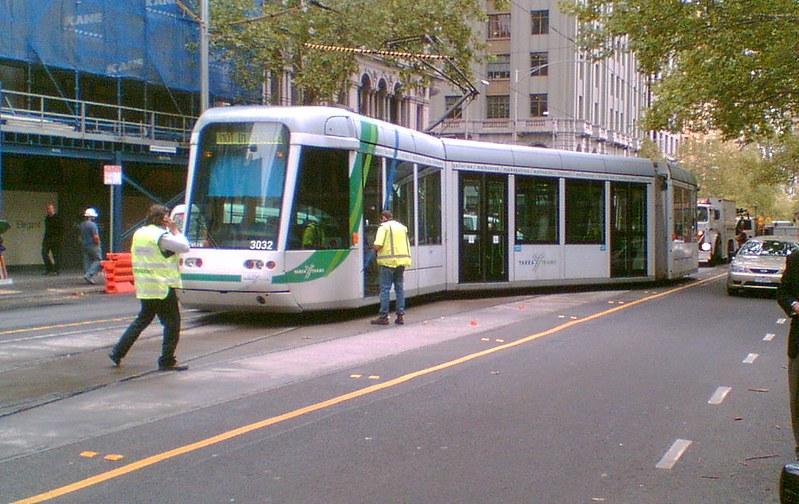 Tram derailment, Collins Street 3/4/2008