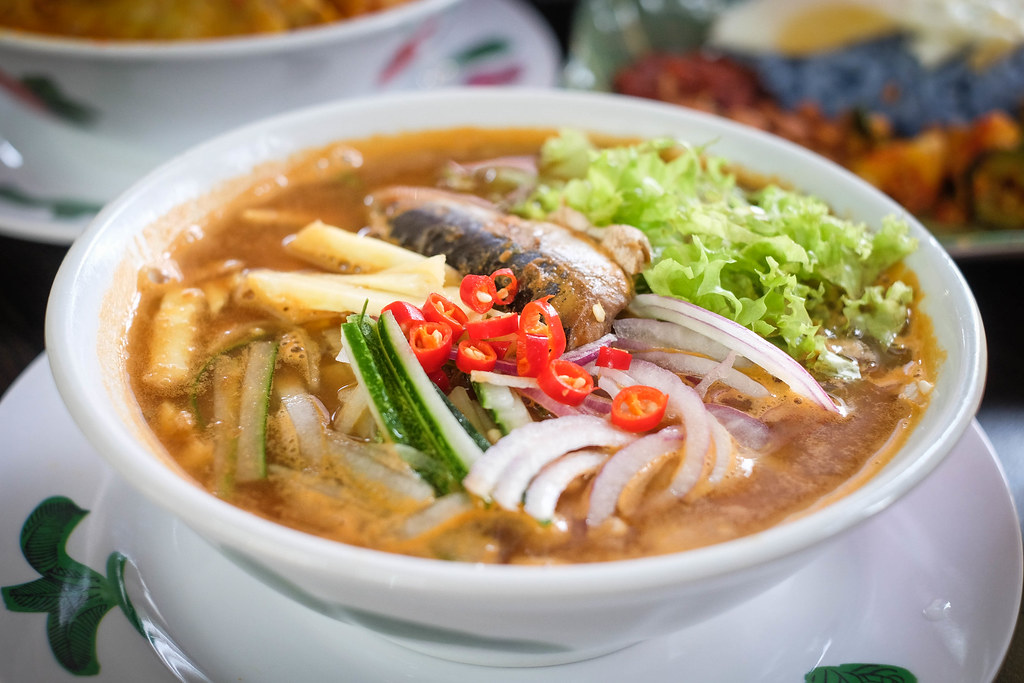 Assam Laksa Side View