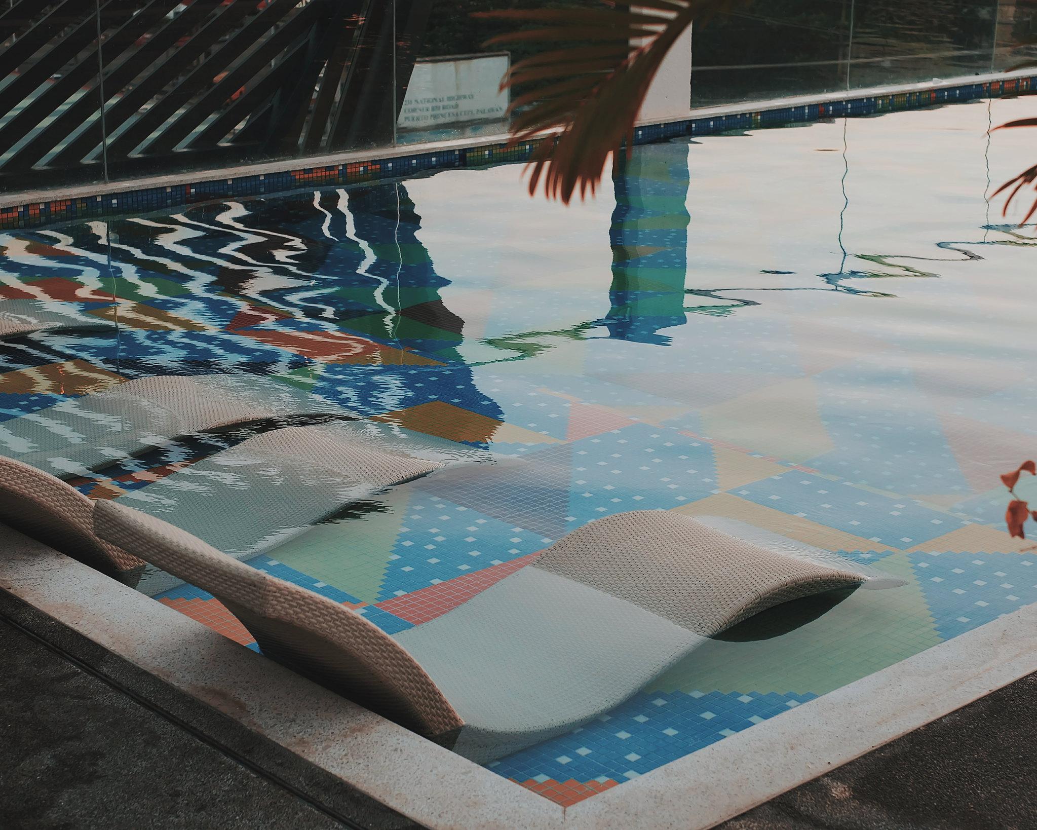 Hue Hotel Palawan Pool
