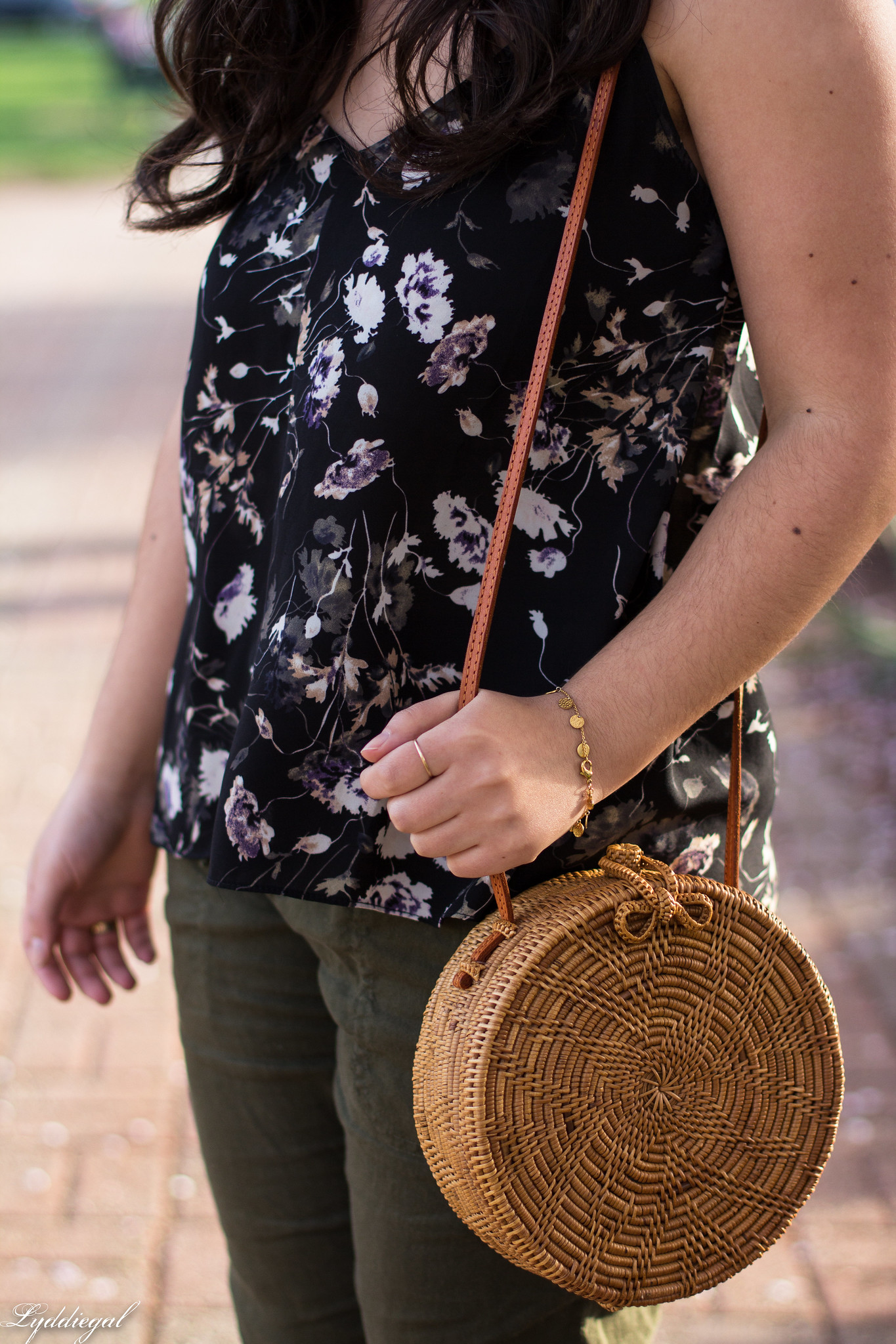 Floral tank, green linen joggers, blue loafers, round straw bag-15.jpg