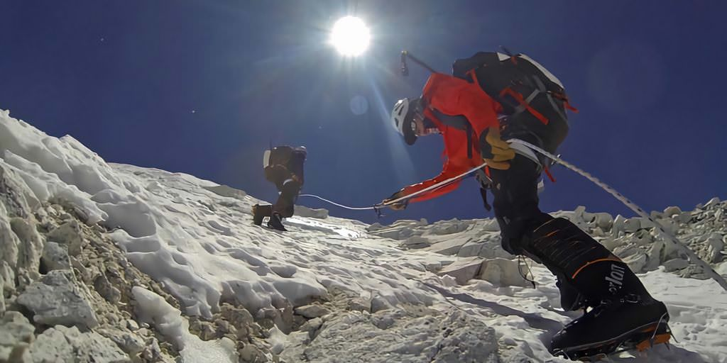 Deux alpinistes tentent de recréer la double étude de la NASA sur le mont Everest