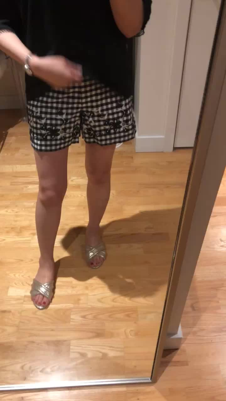 Ann Taylor Gingham Embroidered Floral Shorts, size 0P