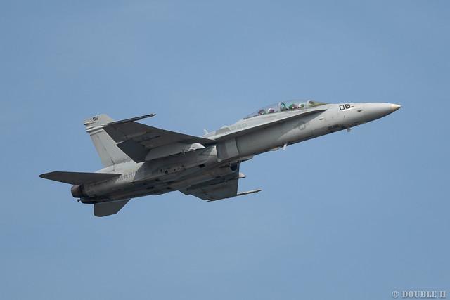 Iwakuni FD 2018 (139) VMFA(AW)-242 F/A-18D DT-06/164953