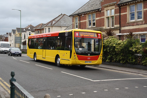 Yellow Buses 802 DX57REU