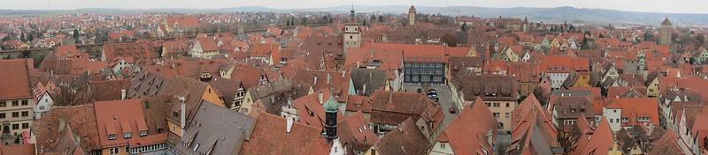 Aussicht von Rathausturm auf Ratstrinkstube<br /> IMG_8054 Panorama