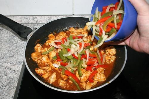 32 - Paprika & Zwiebeln hinzufügen / Add bell pepper & onion