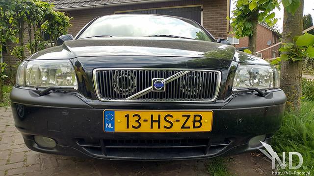 Volvo S80 2.4T Hella Horns mod (white)