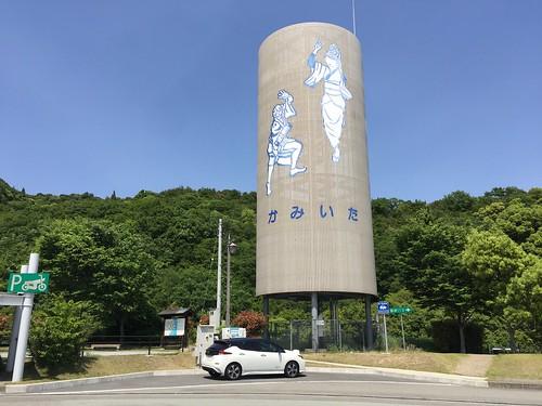 徳島自動車道 上板SA(上り)で急速充電中の日産リーフ(40kWh)