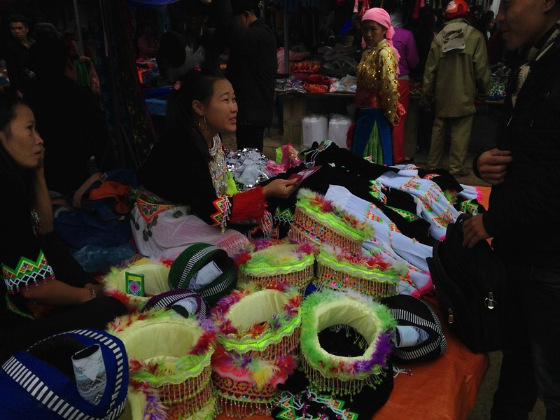 イェンミンのマーケットとザイ族の村, 2