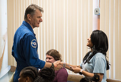 Astronauts Bresnik and Nespoli at the Washington School for Girls (NHQ201805110011)