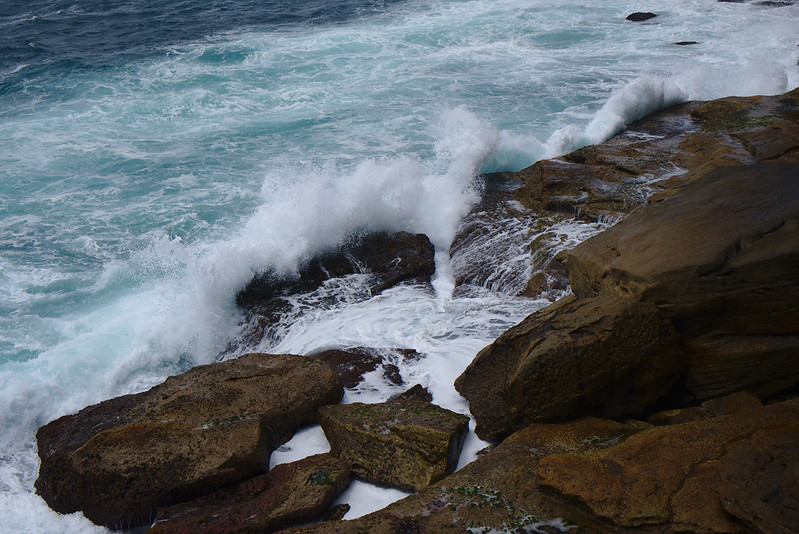 Breaking waves, Bronte
