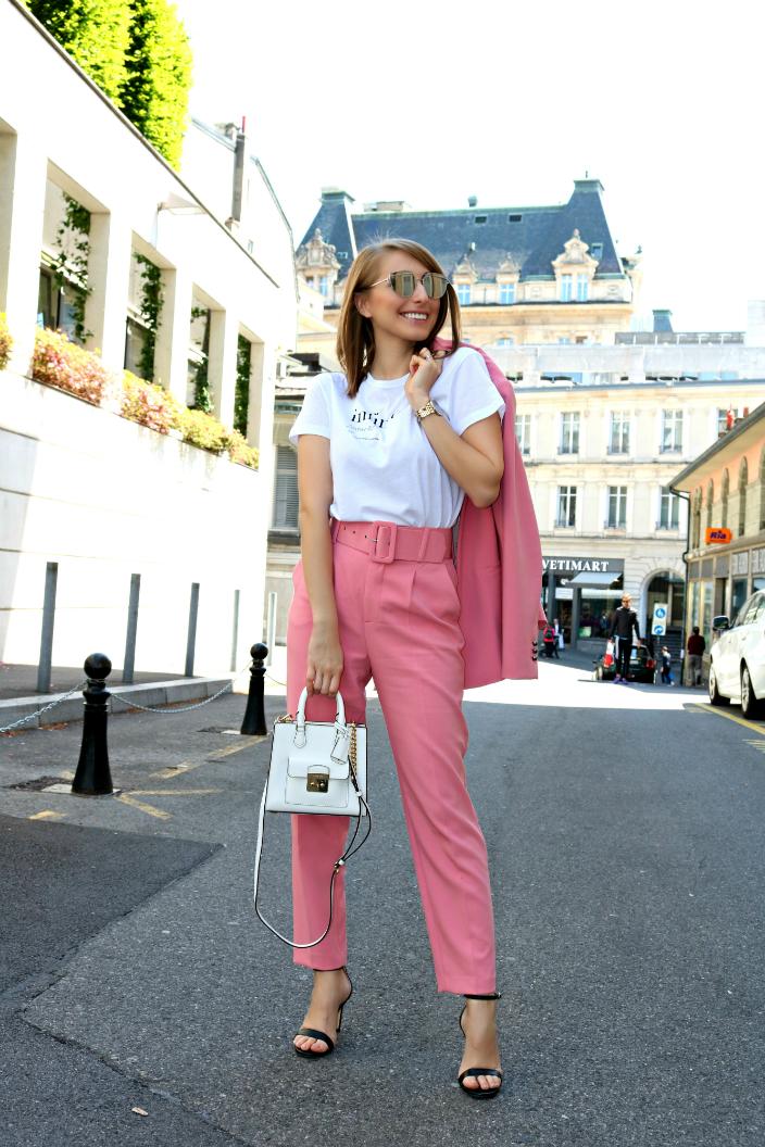 Look - Infinite Pink (05b)