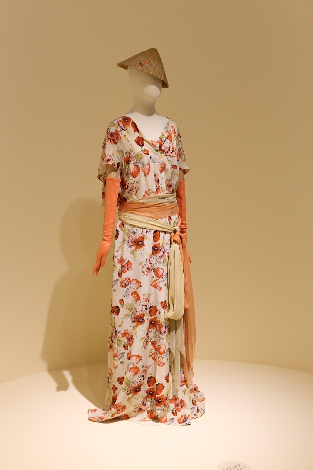 Платье из набивного шелка, США, начало 30х.
