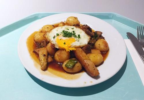 Tylorean asparagus roast with pork & potatoes / Spargelgröstl mit Schweinefleisch und Kartoffeln