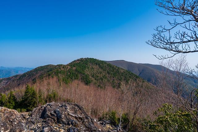 吹上ノ頭の先に和名倉山