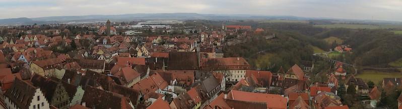 Aussicht von Rathausturm auf Spitalturm und Heilig-Geist-Kirche<br /> IMG_8029 Panorama
