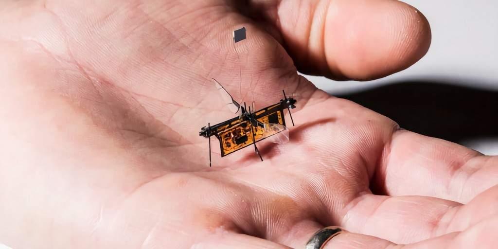 Le RoboFly : Le premier insecte robotique alimenté par un laser