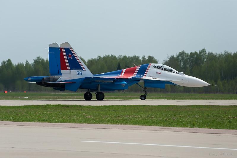Sukhoi_Su-30SM_RF-81721_36blue_Russia-Airforce_007_D700887