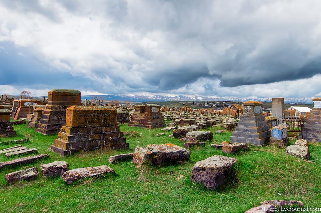 Картинки по запросу Сокровища Армении - Хачкары Норатуса и озеро Севан
