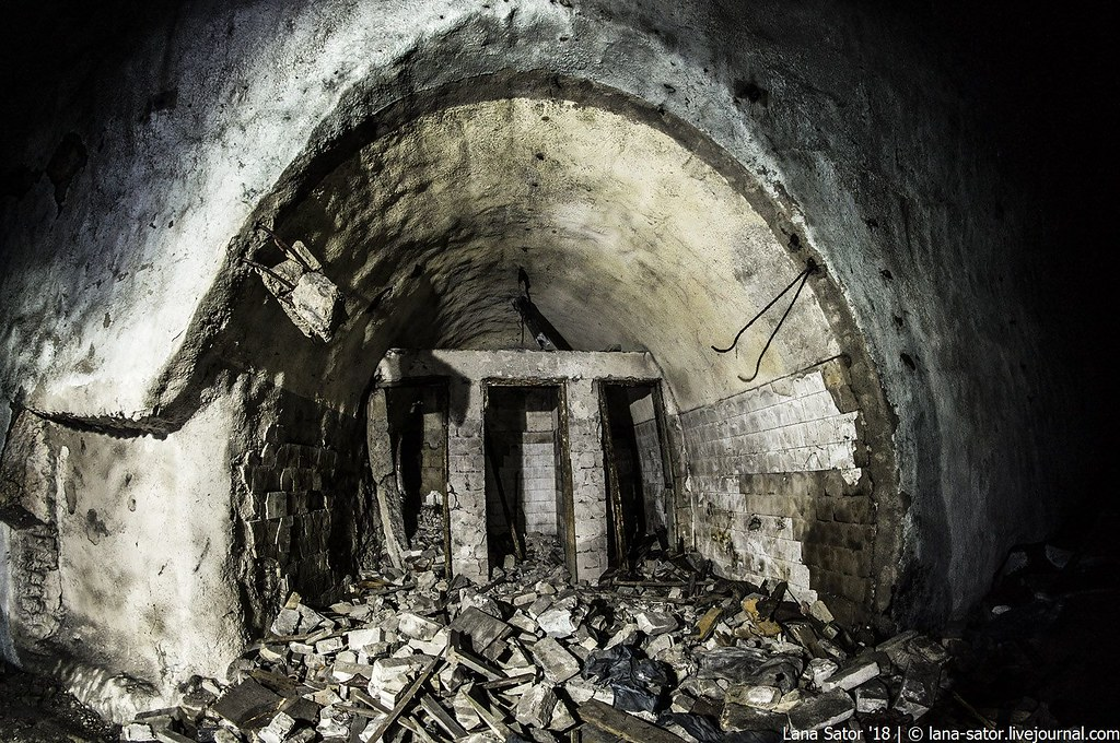 Дело пахнет керосином: заброшенные подземные авиабазы Восточной Европы (эпические фото)
