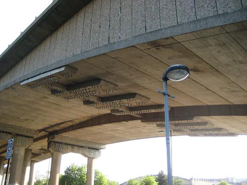 Kingston Bridge: pin bearings