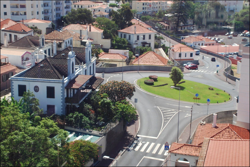 Rotonda (Funchal, Madeira, Portugal, 3-7-2014)