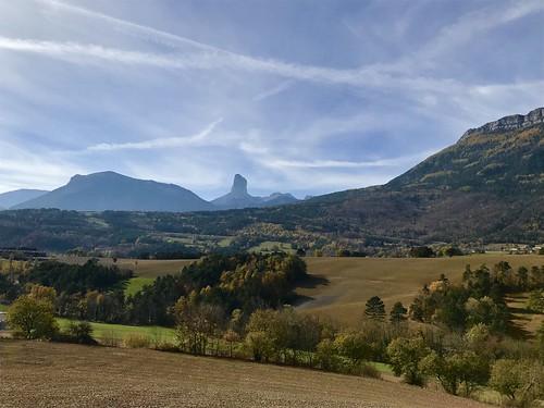 Mont Aiguille à l'automne