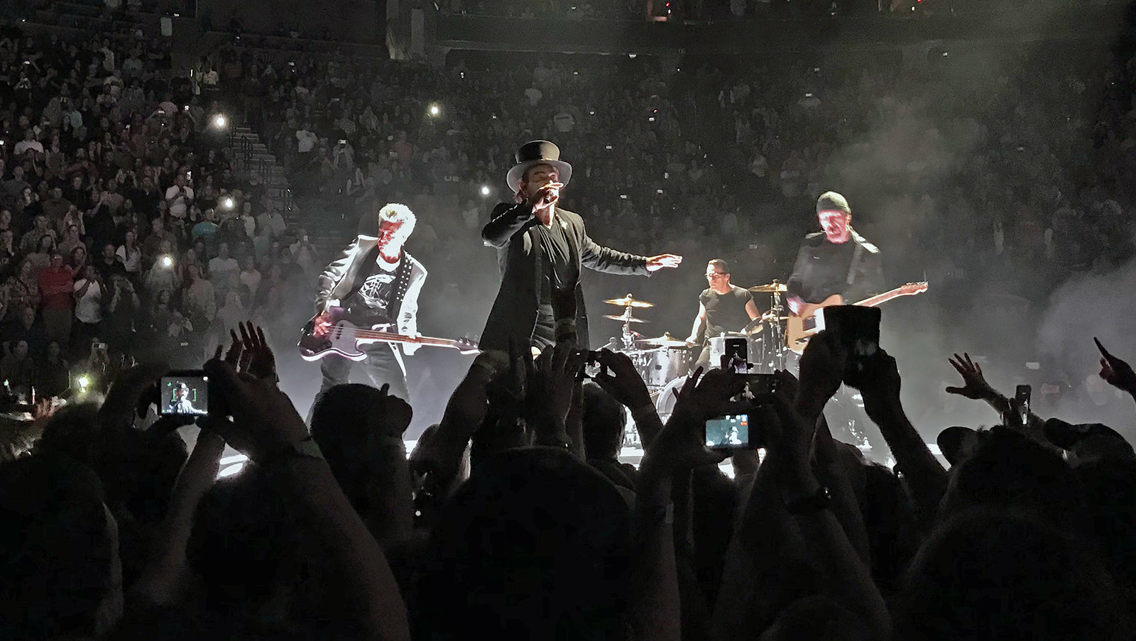 U2 on the E-stage