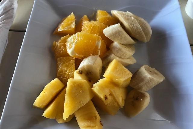 木, 2018-03-08 10:56 - 遅い朝食のフルーツ