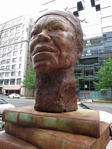 Maya Angelou bust (4589)