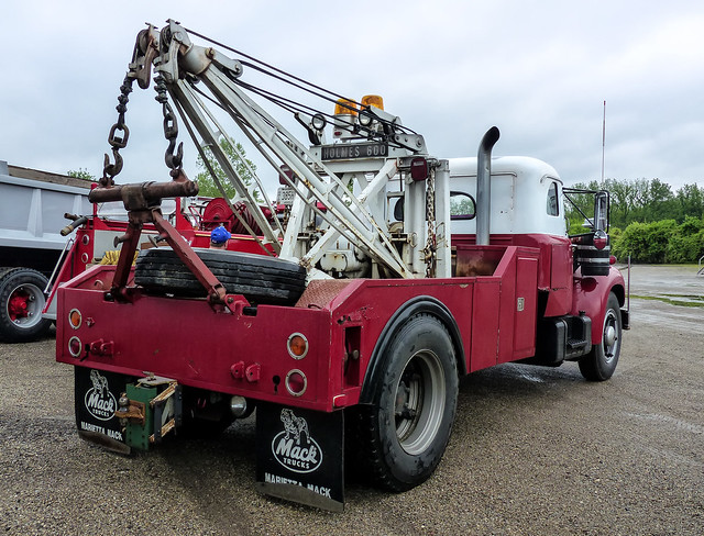 Working End Of A Mack B-61 Holmes 600 Wrecker
