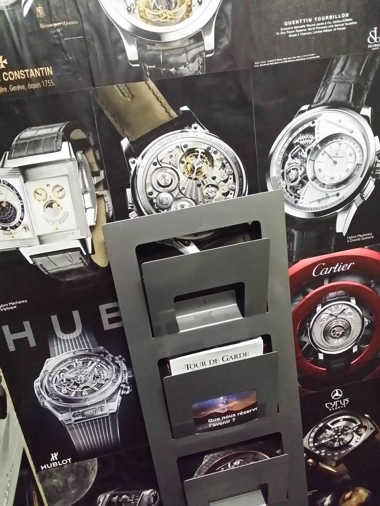 Watch Your Time : supplément horlogerie du journal Le Monde - Page 2 26994285067_fd94b034c6_b