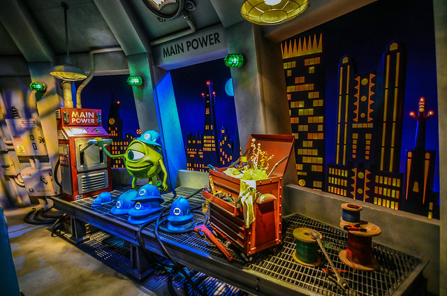 Mike shutting lights Monsters Inc Ride and Seek TDL