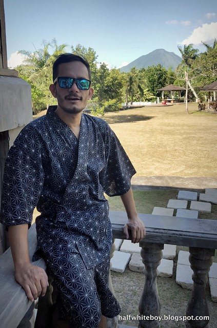 halfwhiteboy - jinbei traditional japanese clothing 01