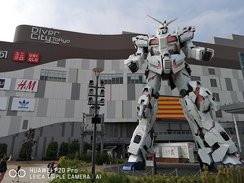 Huawei P20 Pro - Odaiba Gundam Statue