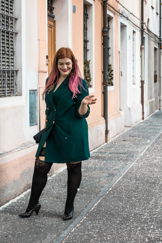 Outfit autoreggenti curvy plus size e abito-soprabito (5)