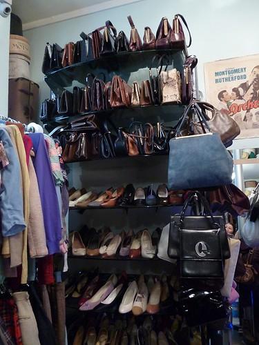 7 Mamie shop inside 6