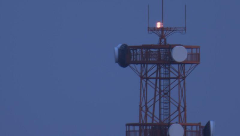 1.6x バローレンズを使用して撮った鉄塔