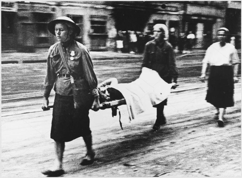 1943. Ленинград в блокаде. Эвакуация раненых после артобстрела