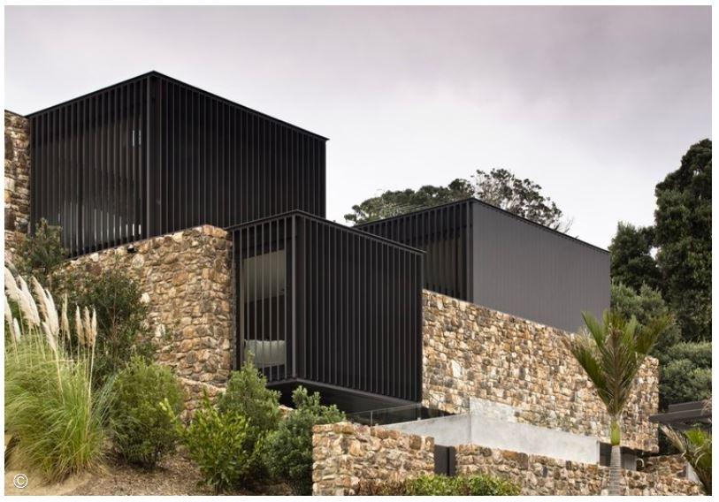 Contoh Berbagai Aplikasi Dinding Batu Bagi Desain Rumah Modern