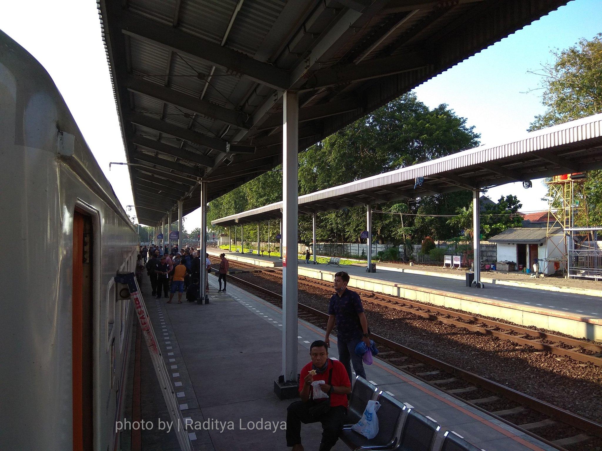 28 TRIP REPORT KERETA API JAYABAYA 1 (JAKARTA-CIREBON) -- STASIUN CIREBON PRUJAKAN 2
