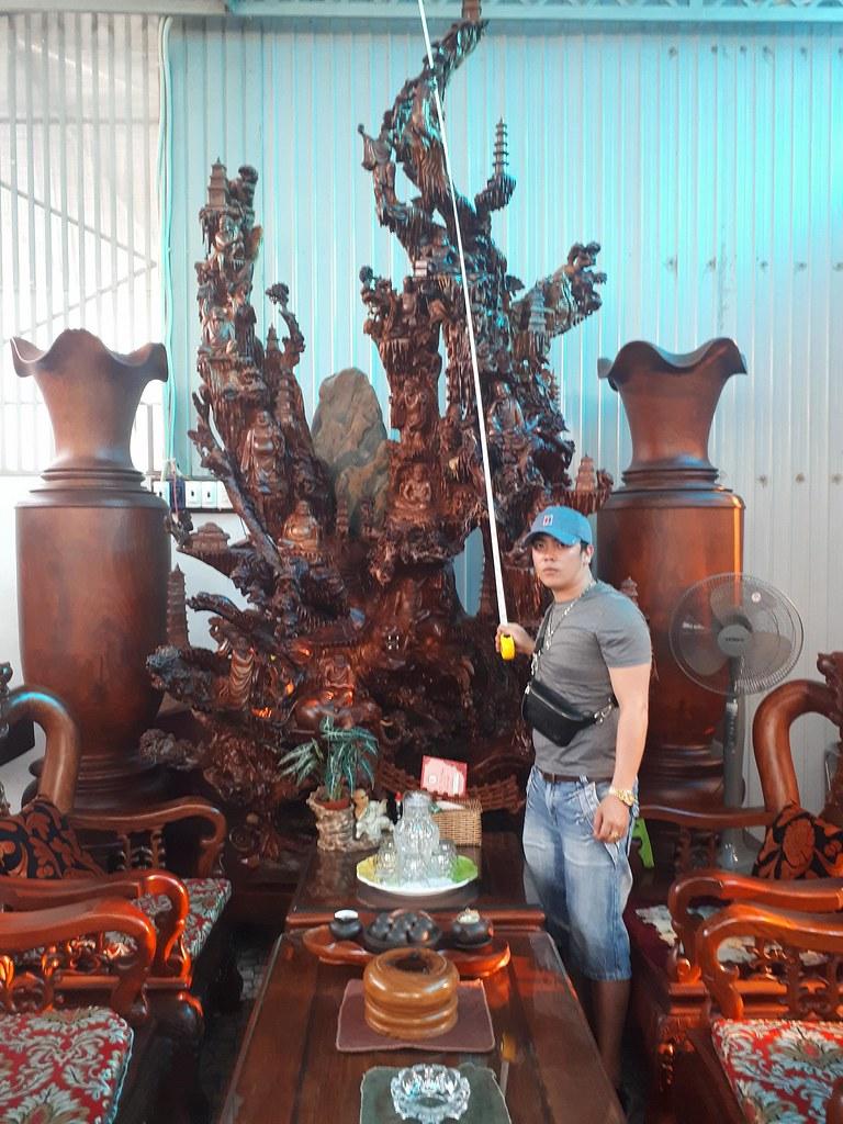 Thập bát la hán gỗ hương (có đôn) -Cao 3m7 x Ngang 1m85