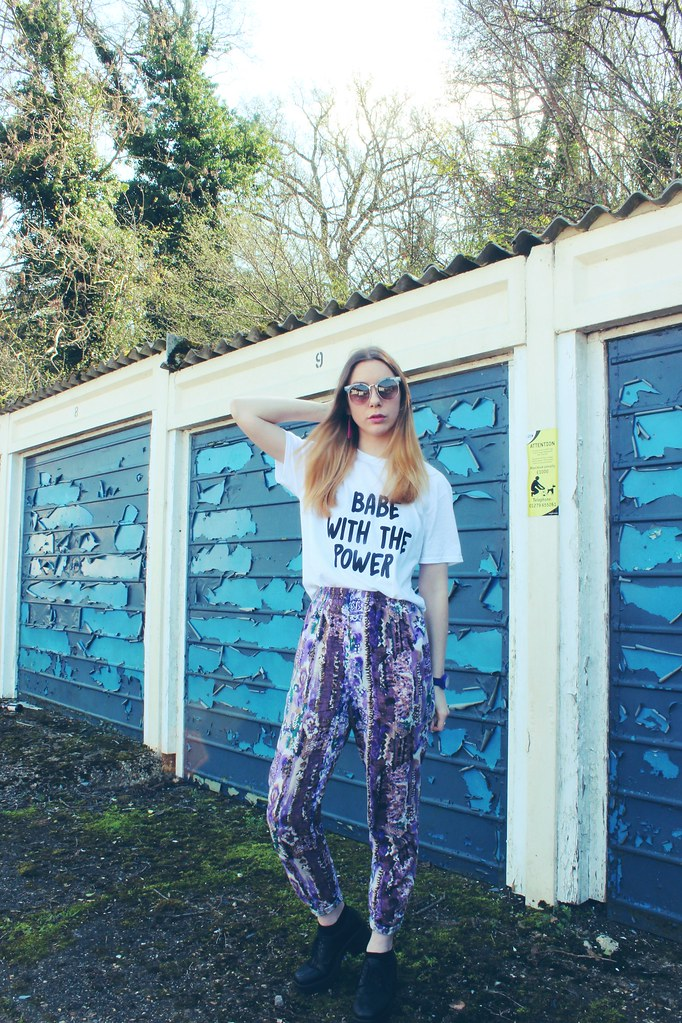 Babe with the power tshirt Nastygal and Vintage trousers 4